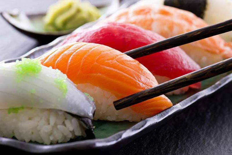 Chế biến các món ngon hấp dẫn nhất từ cá hồi để đặt tiệc sinh nhật công ty