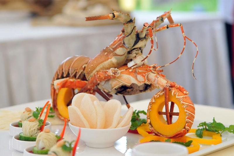 Lựa chọn thực đơn nấu tiệc tại nhà chuyên nghiệp với các món ăn đặc sắc và trang trọng