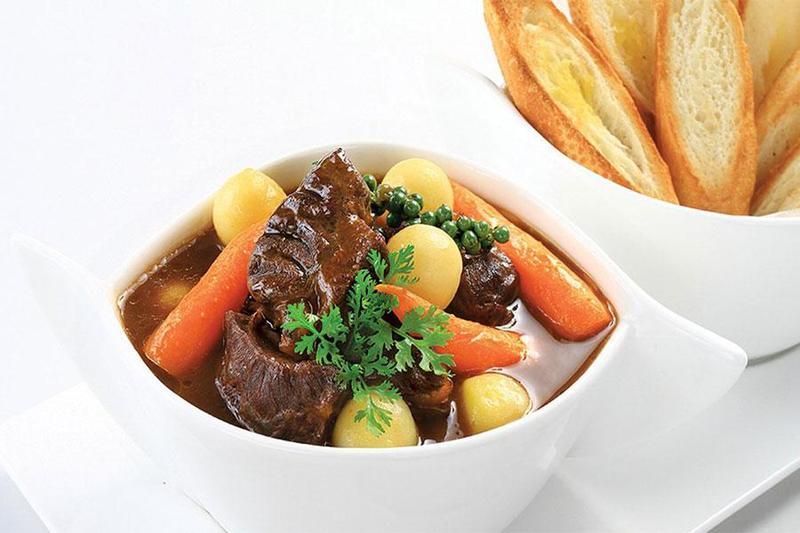 5 cách làm món bò hầm ngon nhất cho thực đơn tiệc mừng thọ tại nhà