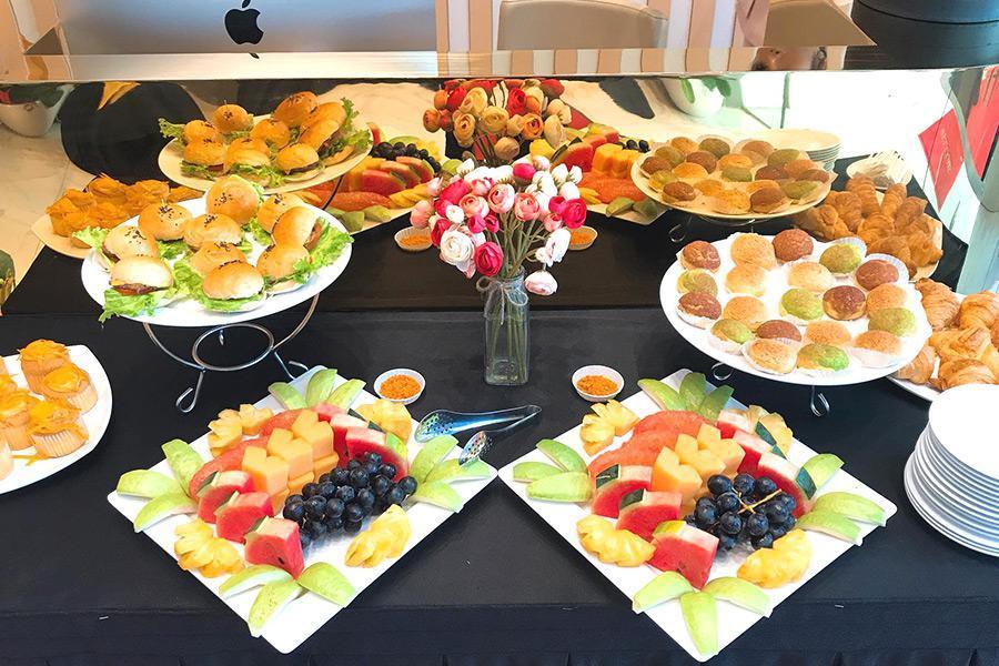 Tại sao bạn nên sử dụng dịch vụ đặt tiệc liên hoan văn phòng?