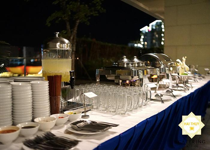 Tổ chức tiệc liên hoan gia đình ấm cúng và ý nghĩa cùng Hai Thụy Catering